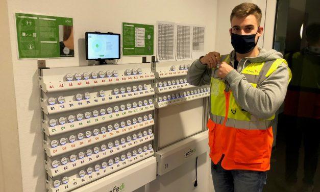 Mitarbeiterschutz via Bluetooth: Grieshaber Logistics Group AG setzt auf SAFEDI-Chips zur Abstandswahrung und Nahkontakterfassung